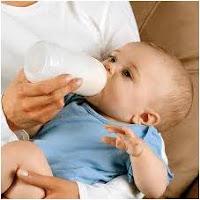 طريقة إرضاع الطفل من الزجاجة