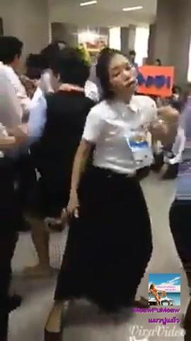 ชมนักศึกษาสาว สปป.ลาว เต้นเพลง ขอใจเธอฯ สุดๆ จริง