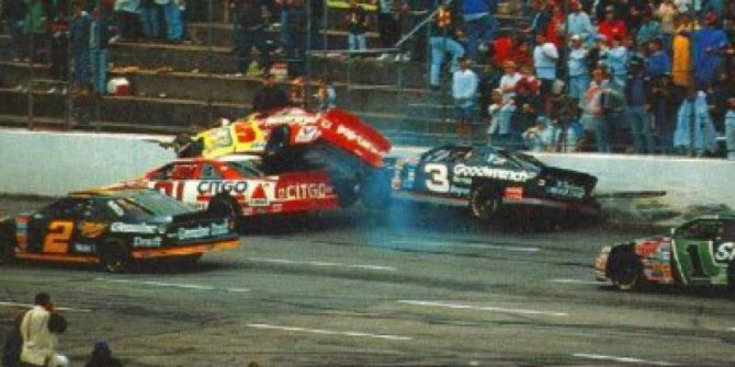 Kecelakaan Balapan NASCAR