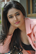 Poonam Bajwa latest sizzling photos-thumbnail-16