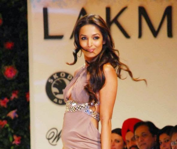 Hot Unseen Cleavage Snaps & Sexy Top 10 Photos Of Malaika Arora khan