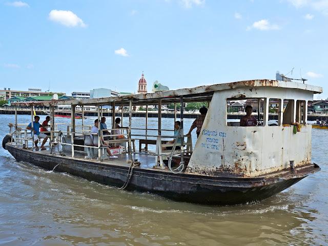 Bateau-taxi sur le chao phraya