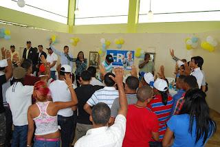 Dos movimientos de jóvenes peledeista en SDE pasan apoyar a Hipólito Mejía