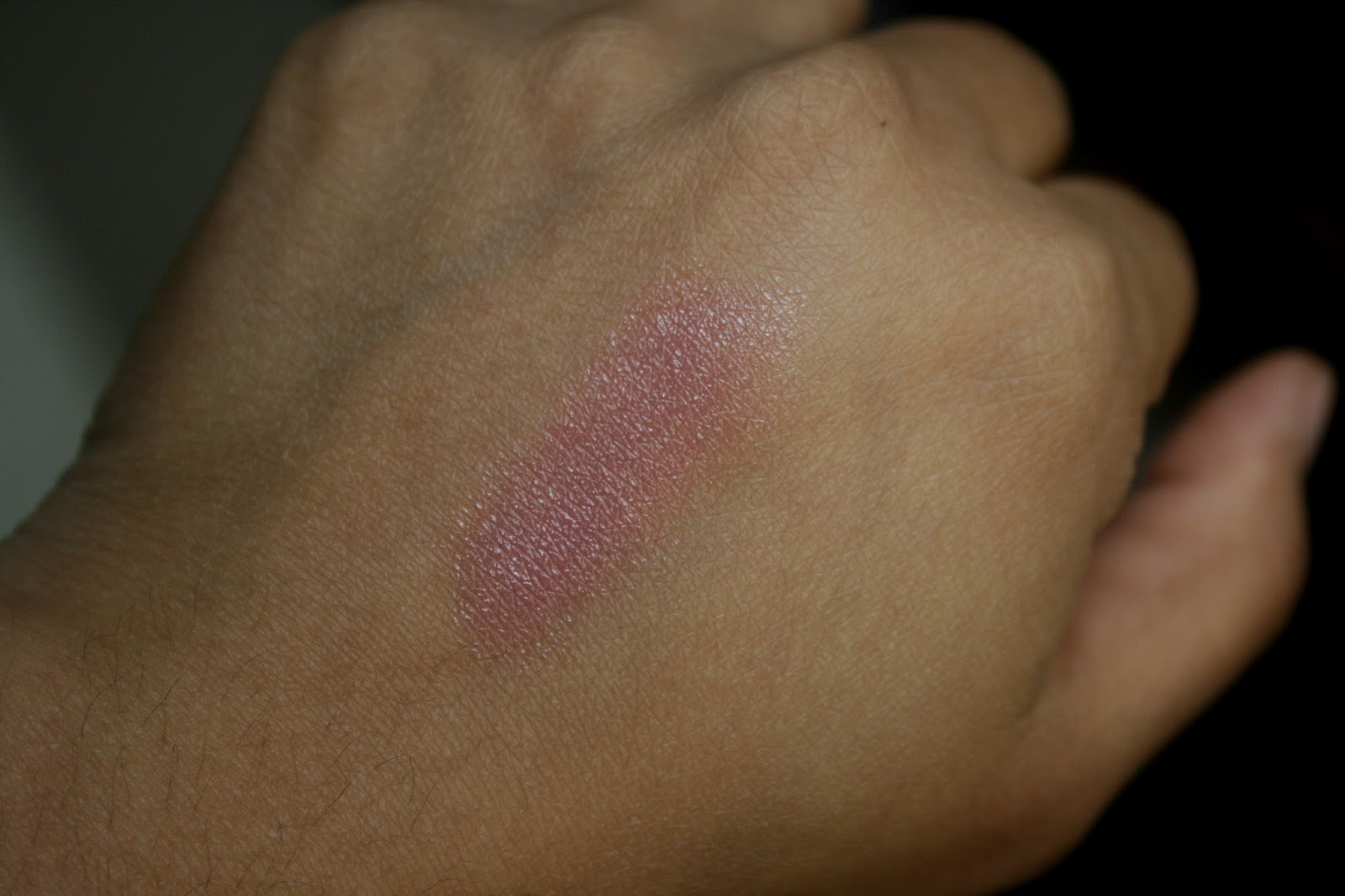 Burberry Pink Heather Lip Mist Swatch