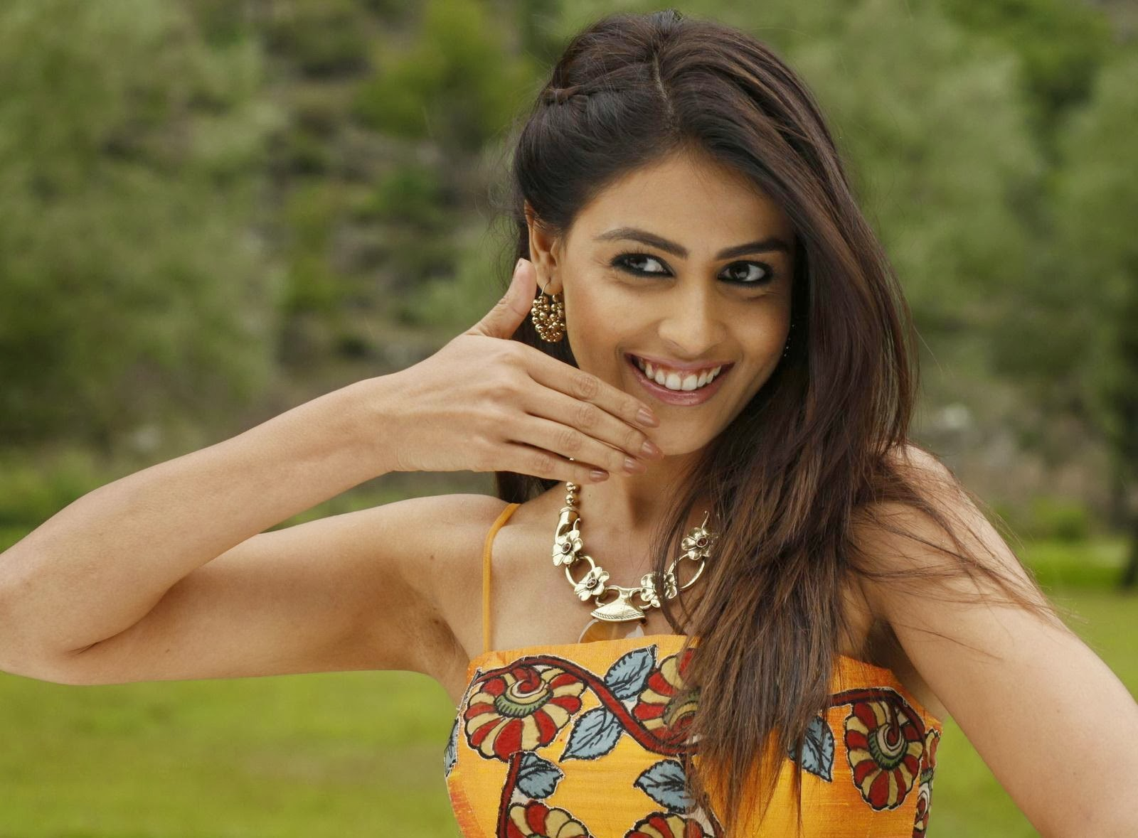 genelia d souza wallpapers free download | indian hd wallpaper free