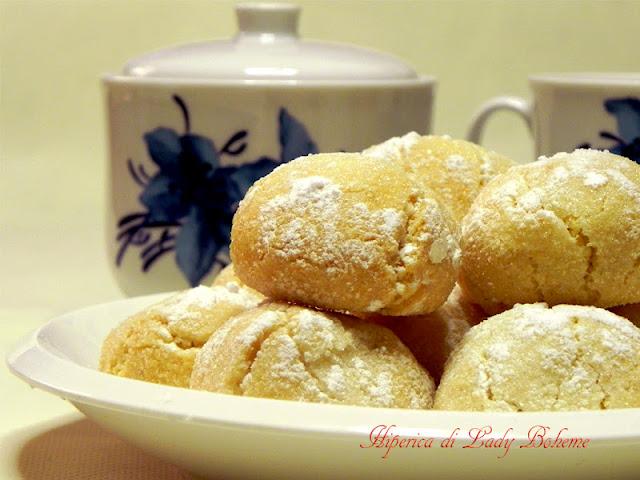 hiperica_lady_boheme_blog_di_cucina_ricette_gustose_facili_veloci_biscotti_al_limone_di_anna_moroni