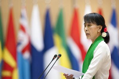 ဆြစ္ဇာလန္ႏုိင္ငံေရာက္ ေဒၚေအာင္ဆန္းစုၾကည္ – Daw Suu in ILO conference