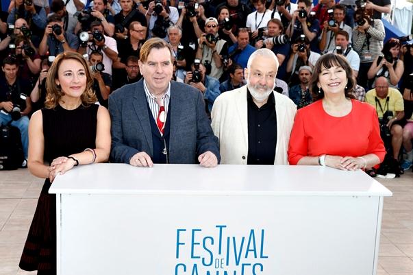 Mike Leigh y los intérpretes de Mr. Turner en el photocall de Cannes