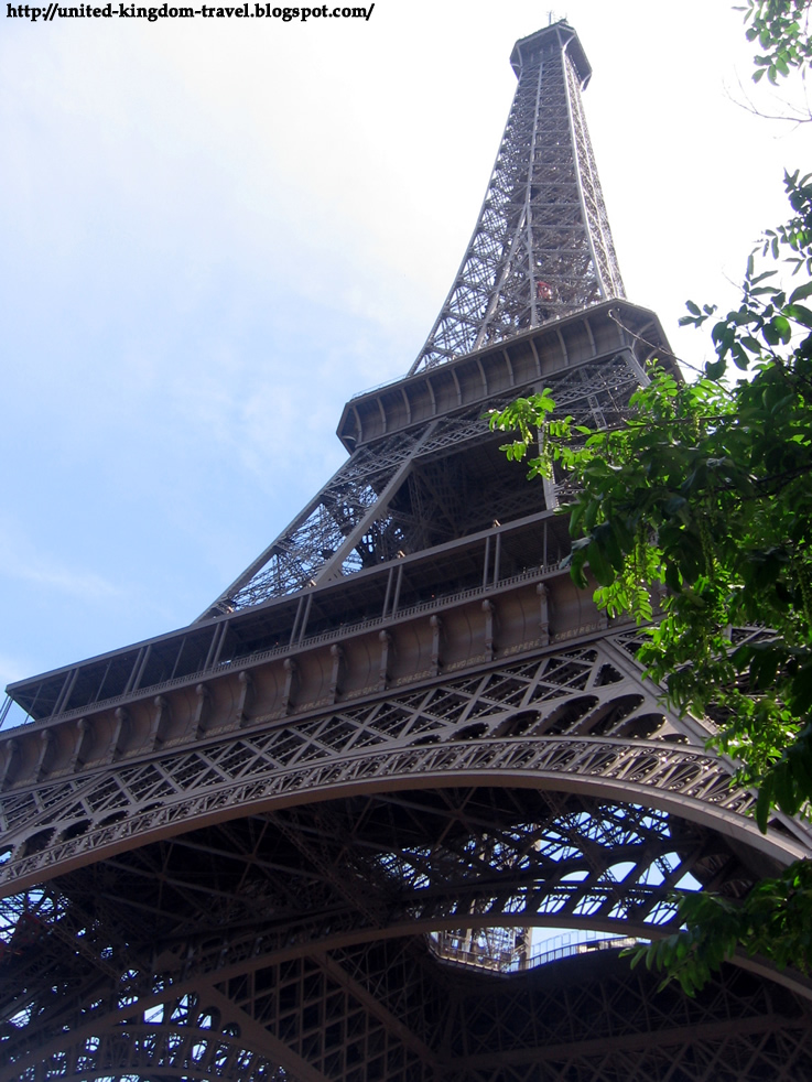 The Eiffel Tower In Paris The Globe Trotter