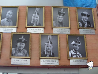Portraits of the Tumen Ekh performance troop 5