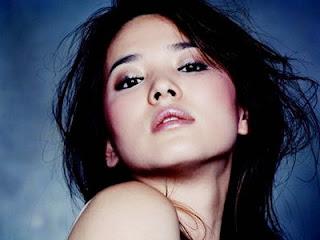 Wanita Tercantik Di Dunia 2012 - 3 Artis Korea Inside