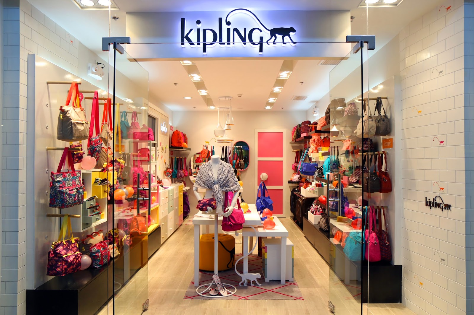 KIPLING offers a wide range of stylish, lightweight and practical designer handbags, totes, backpacks, luggage, wallets, accessories & more, suitable for all your daily occasions. Find a store near you now.