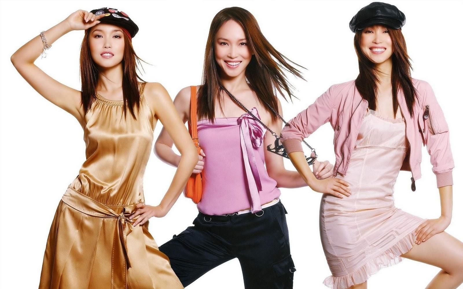Представлять женщин в одежде и без онлайн 13 фотография