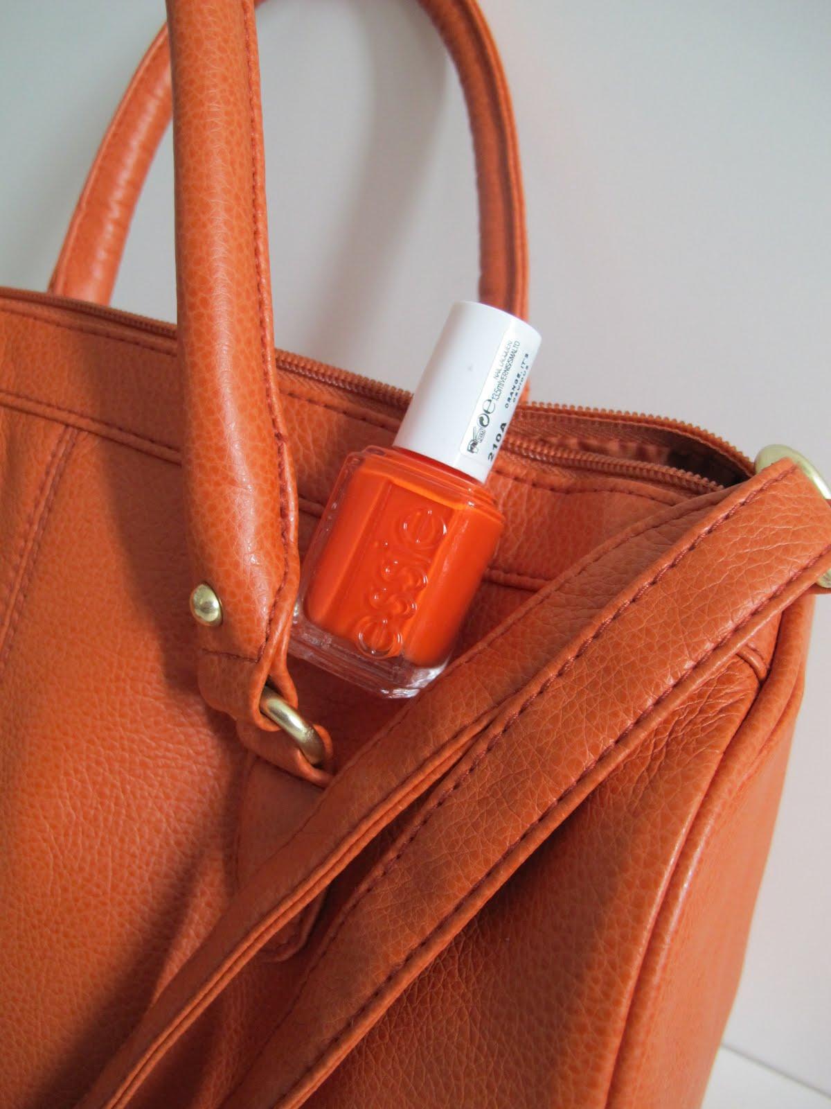 Oranssi Käsilaukku : Ihan selv?sti oranssia ostolakossa kosmetiikka i