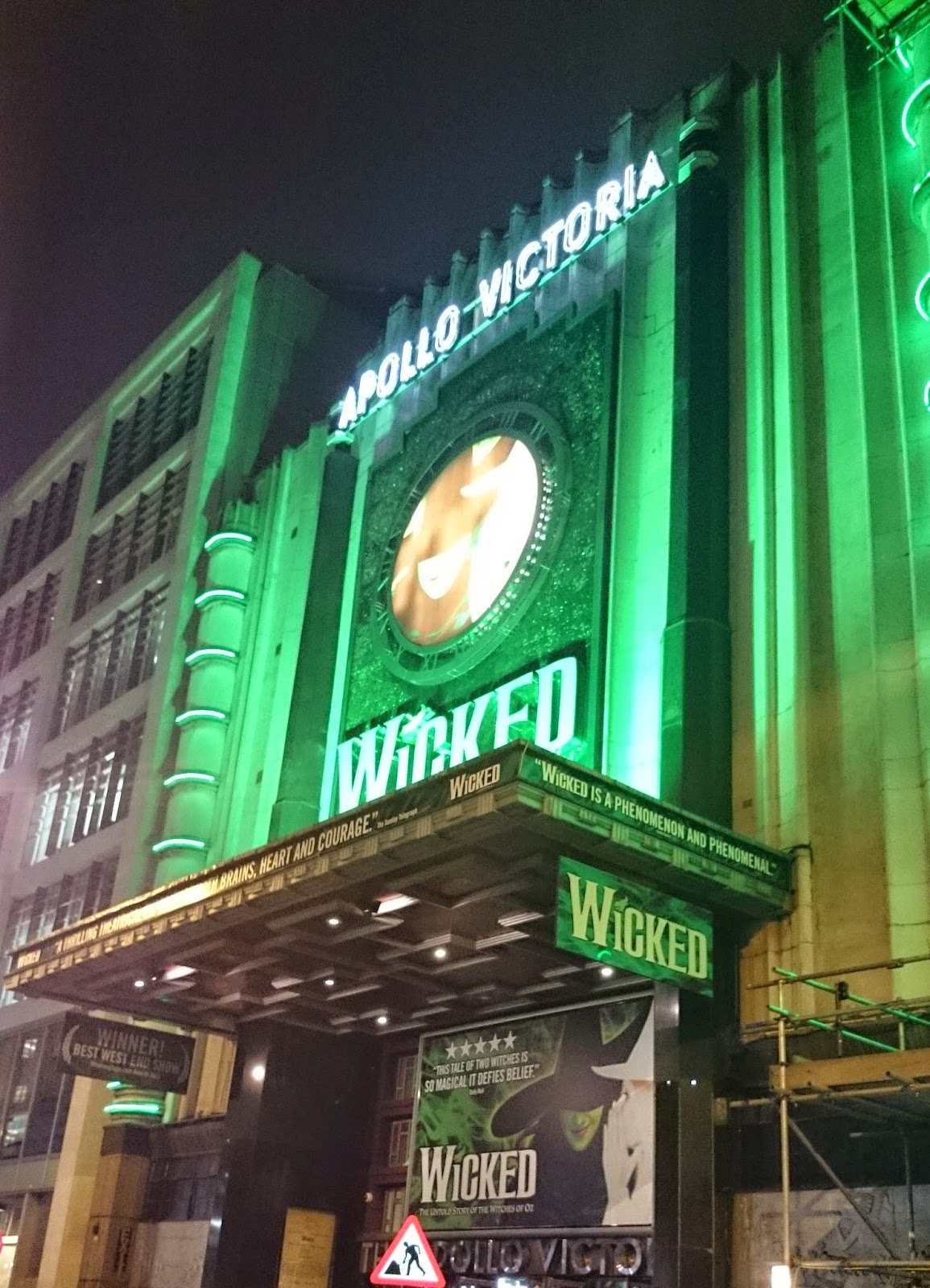wicked apollo victoria london theatre show musical wizard of oz glinda elphaba witch