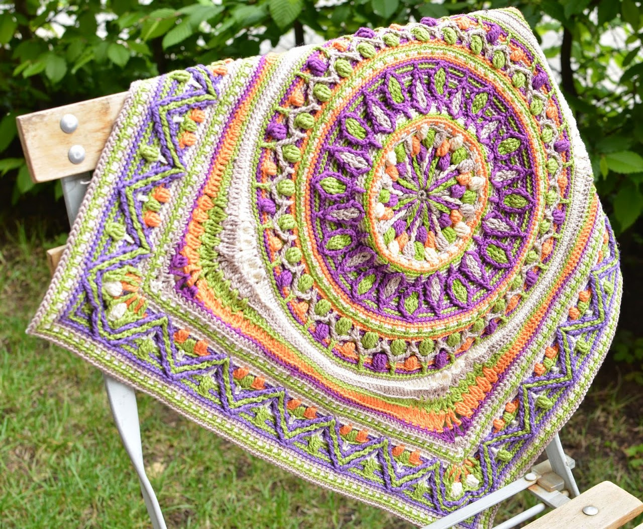 Overlay crochet mandala in square