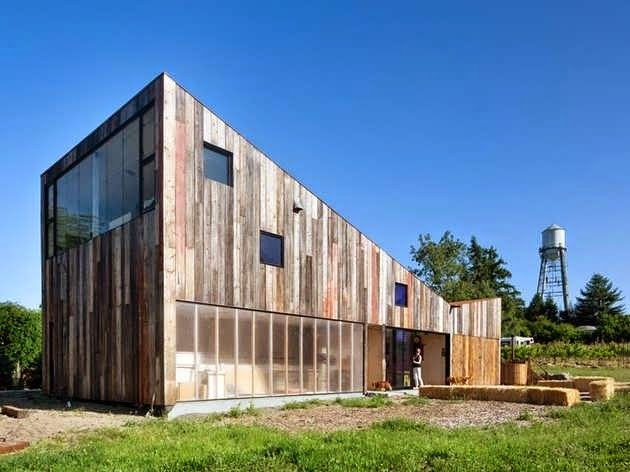 Vintage house barn design features hundred year old barn for Unique house siding