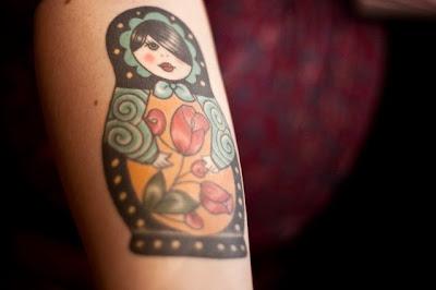 Εκπληκτικό βίντεο: Δείτε από κοντά, και σε αργή κίνηση πως είναι να χτυπάς ένα τατουάζ