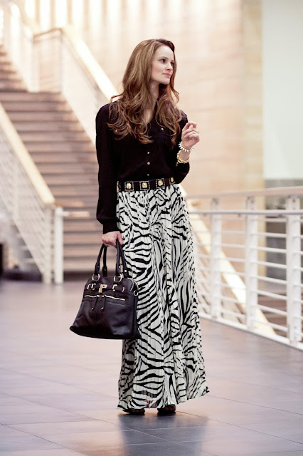 modest pleated zebra print maxi skirt | Mode-sty tznius hijab fashion