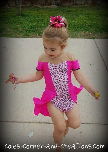 How to Make a Child's Cupcake Dress for a Pageant | eHow