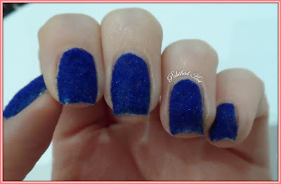 new-technique-blue-velvet-nails