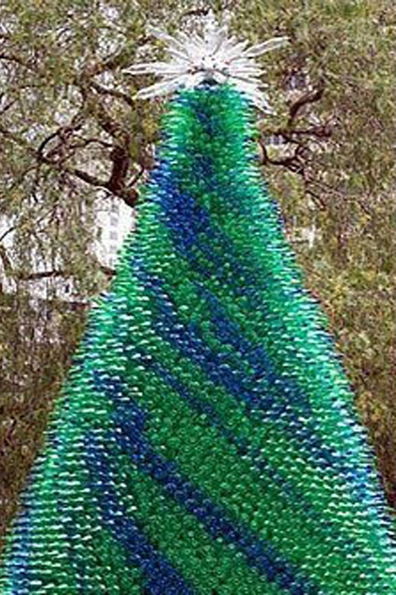 Detallelogia rboles de navidad reciclando corchos - Como pegar corchos de botellas ...