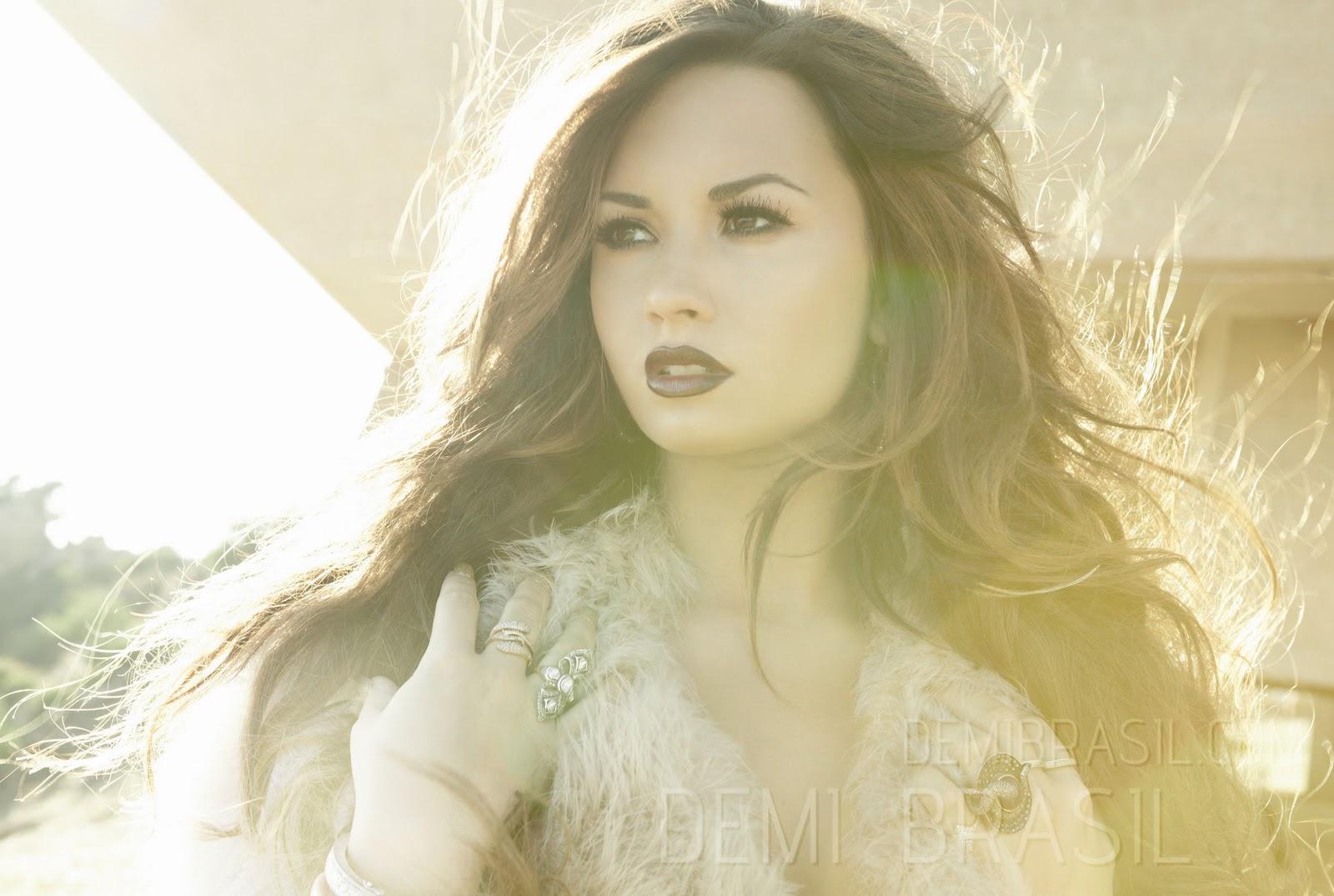 http://3.bp.blogspot.com/-aDcKwidpQdk/TysV-_omwUI/AAAAAAAABmk/sS0ZU9i85TA/s1600/Demi+Lovato+-+H+Walsh+%2528Unbroken+Promoshoot%2529+5.jpg