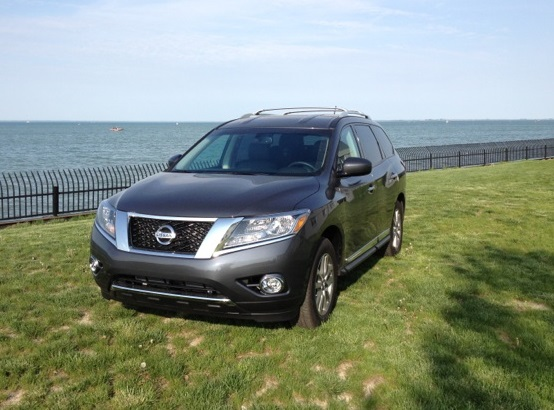 The 2013 Nissan Pathfinder Gets 19 And 25mpg So This SUV Gets Decent Gas  Mileage For A Large SUV. I Used This Pathfinder The Entire Week I Had It.