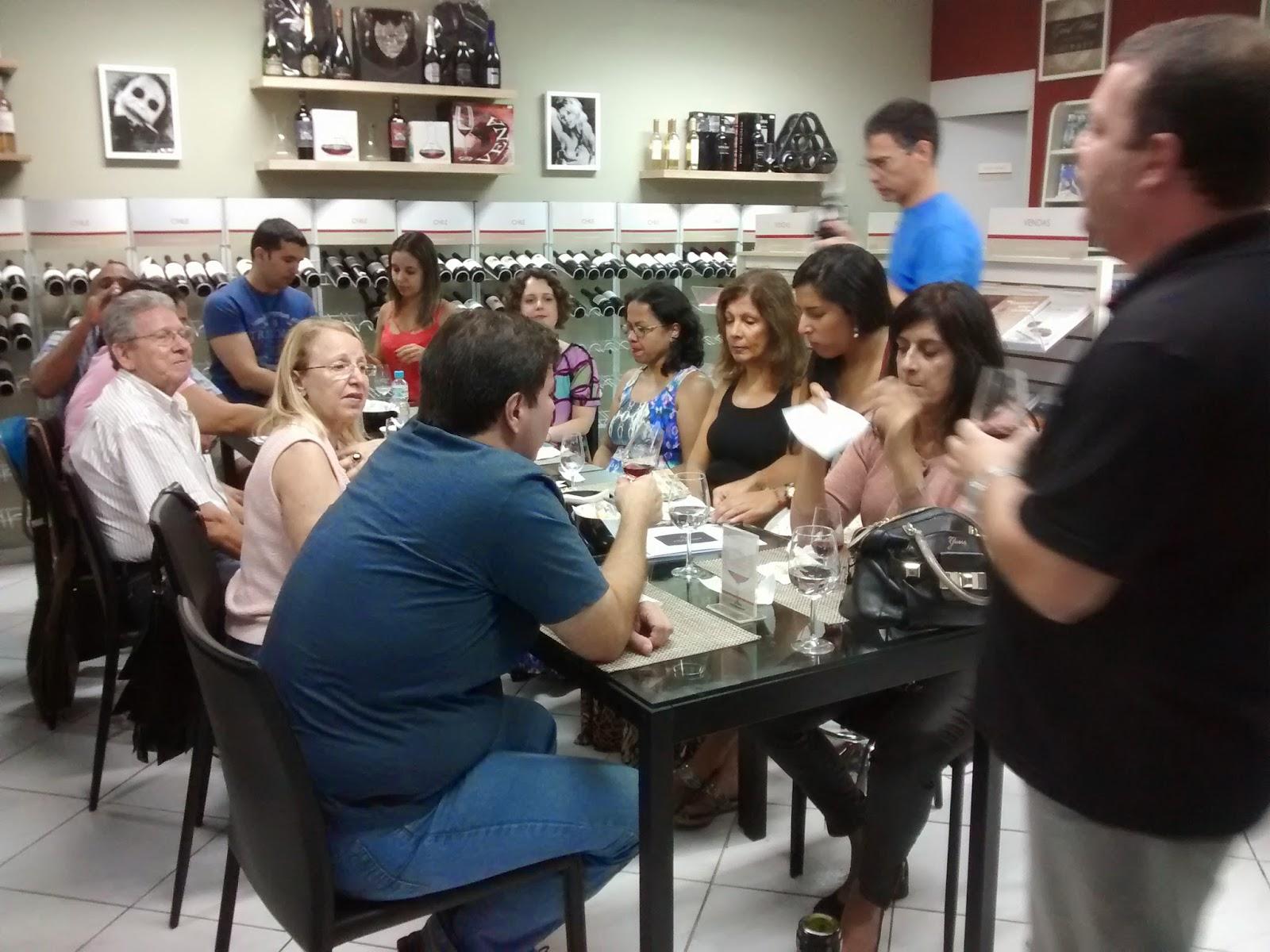 Serviço: Bardot - Vinhos e Artes Rua Barão de Mesquita, 978 A. Praça Verdun, Grajaú, Rio de Janeiro. contato@bardotvinhoseartes.com.br Telefone: (21) 2575-9395