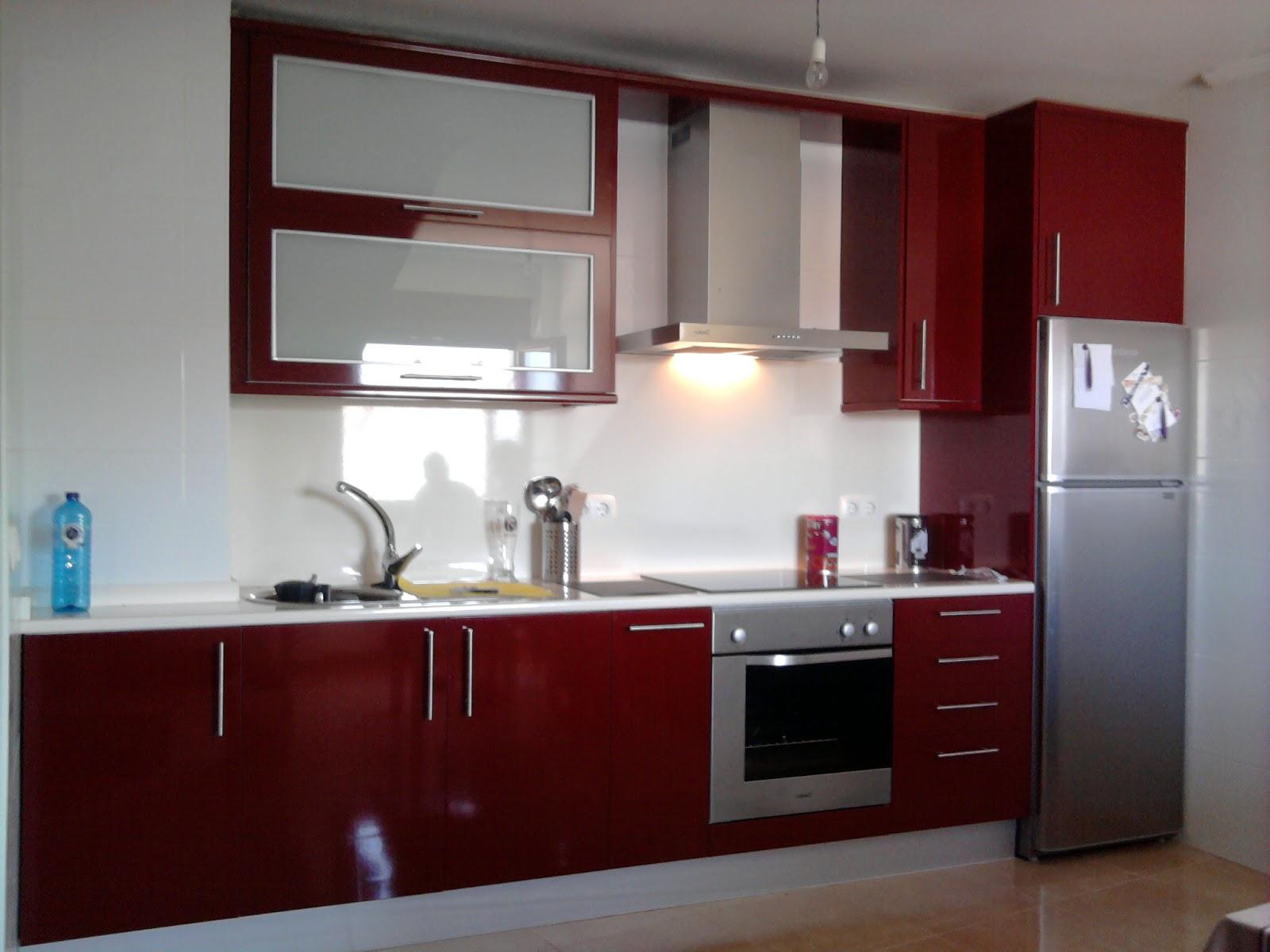 sfc muebles sostenibles y creativos cocinas ForCocinas Color Granate