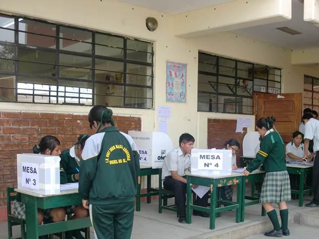 Acp chincha onpe y ugel chincha capacitan a docentes y for Oficina gestion ica