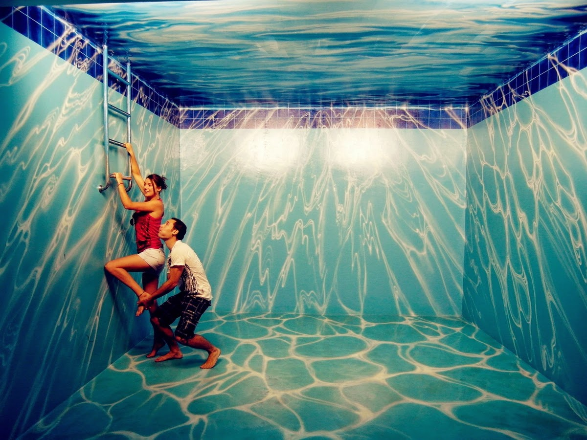 02-Art-in-Paradise-3D-Interactive-Paintings-in-Art-Museum-www-designstack-co
