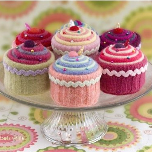 Understanding A Knitting Pattern : the homely place: knitted cupcakes