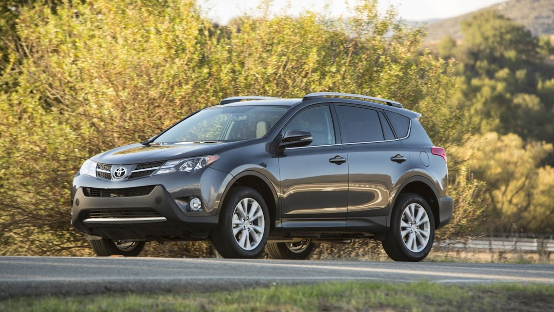 2013 Toyota RAV 4 HD Wallpaper 2