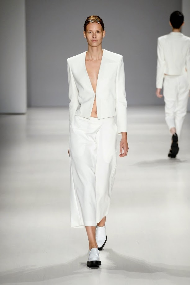белый пиджак