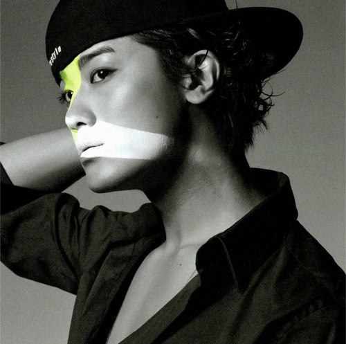 http://3.bp.blogspot.com/-aF11FS_H4Ks/Ugt7ojN4cXI/AAAAAAAAJpU/p0588lwwUEI/s1600/%5BBOOKLET%5D+Jin+Akanishi+-+Hey+What%27s+Up+(11).jpg