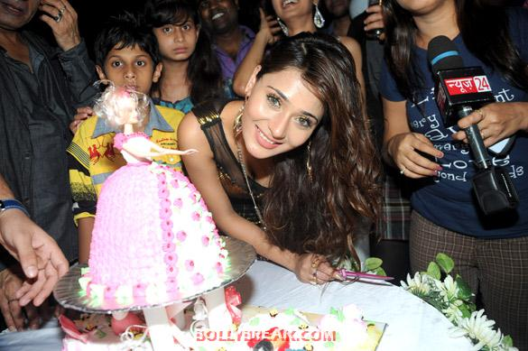 Sara Khan Birthday - Sara Khan's birthday bash Pics - 2012