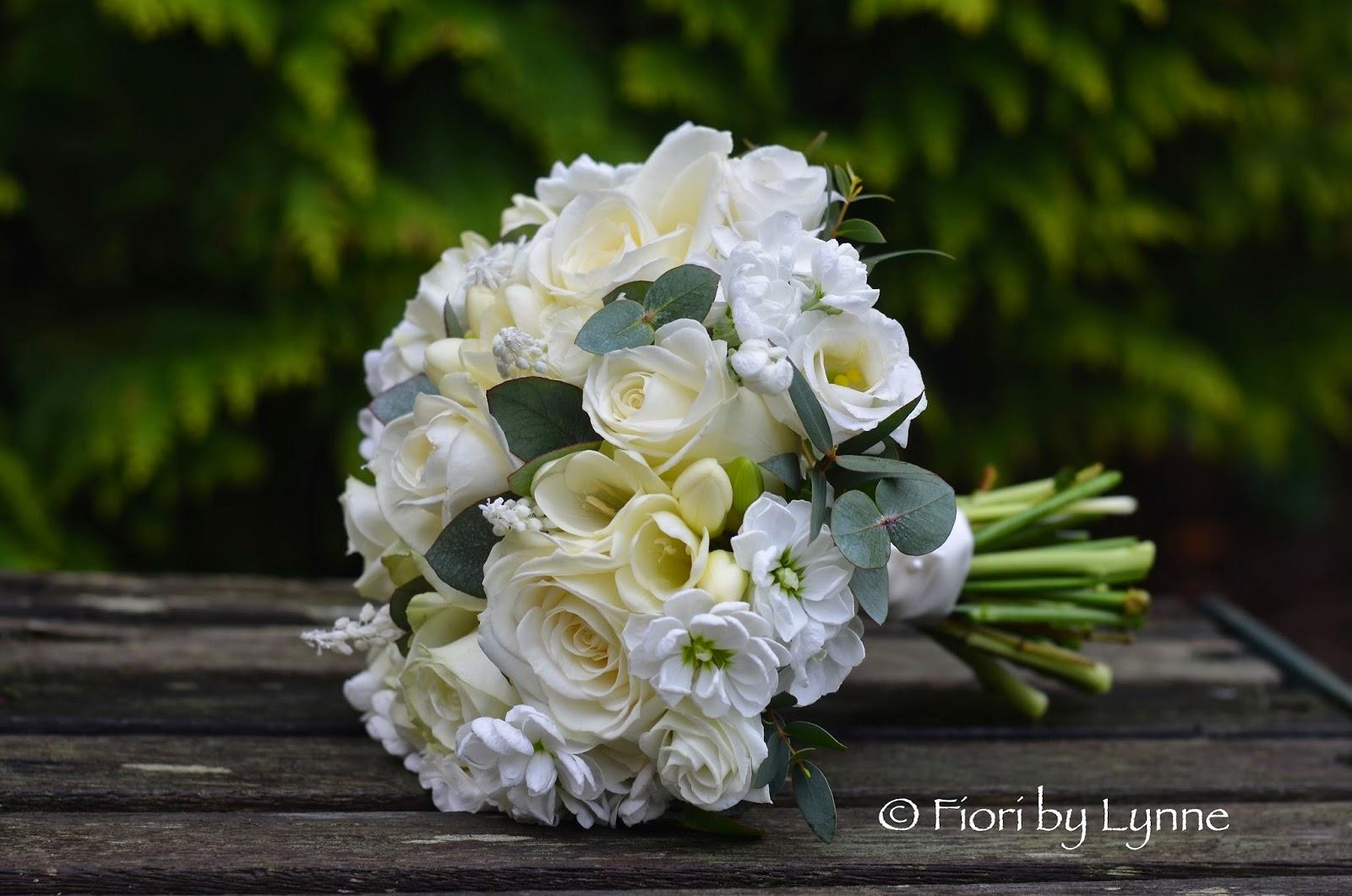 Wedding Flowers Blog Louises All White Wedding Flowers