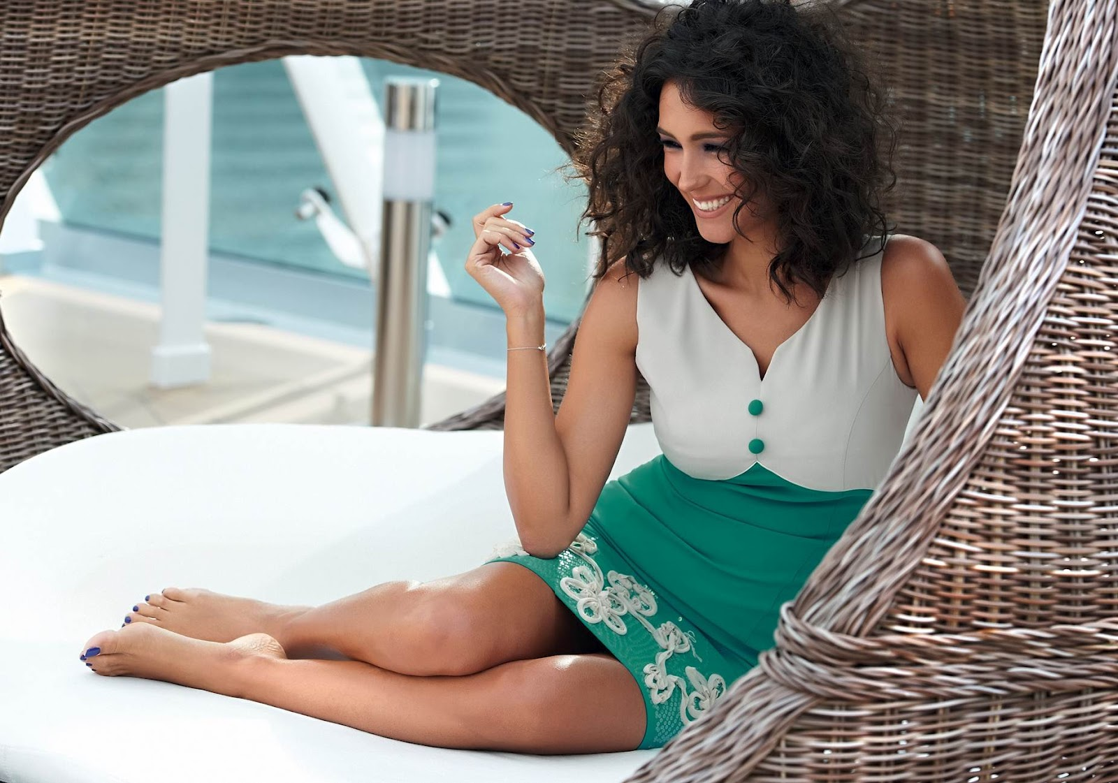 http://3.bp.blogspot.com/-aFwLfIznDck/T3-iefLDxtI/AAAAAAAAAfM/UNru2FJaLEw/s1600/Caterina-Balivo-Feet-638187.jpg