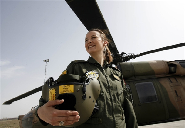 how to become a military helicopter pilot
