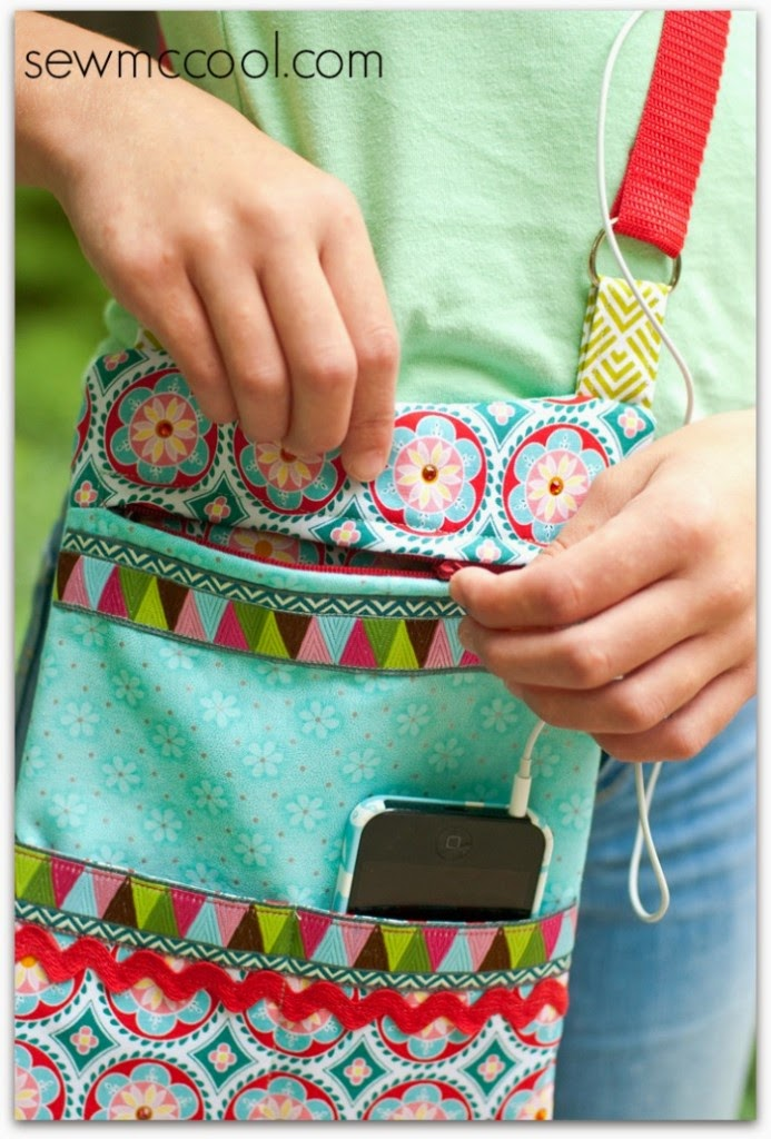 http://www.sewmccool.com/sew-crossbody-purse/