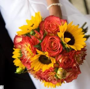 Best wedding flowers fall wedding centerpieces for Popular fall flowers