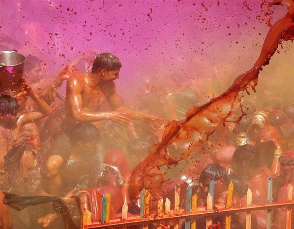 مهرجان الربيع, مهرجان Lathmar Holi