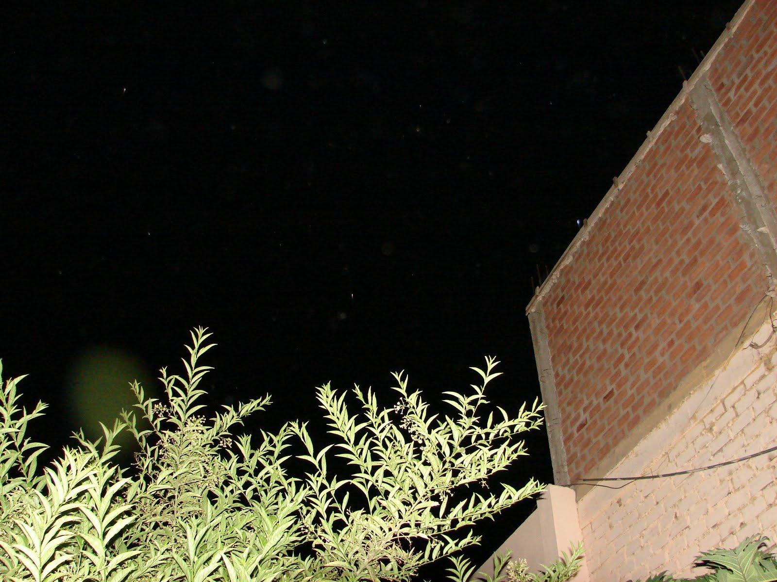 3-abril-4-5-6-7...2011 Ultimos Avistamientos Ovi,Ovni ahorita 10:00 pm Esfera VERDE