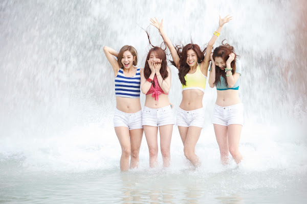 Girls Day Lotte World Water Park
