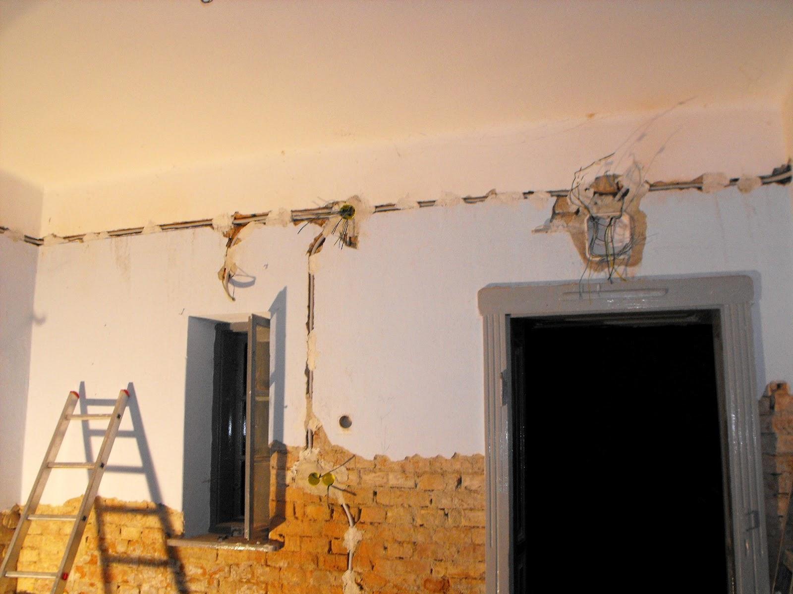 Álomból valóság: Tornácos parasztházunk felújítása: Villanyszerelés 1.