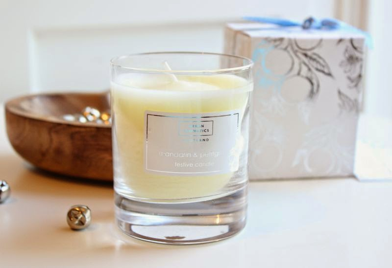 Arran Aromatics Love Christmas Mandarin and Petitgrain Festive Candle