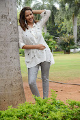 Lakshmi Manchu latest photo shoot gallery-thumbnail-15