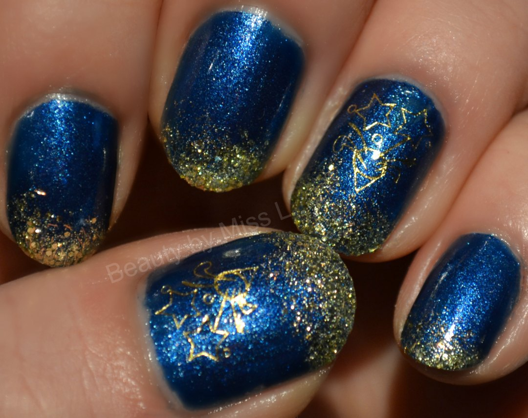 dark blue gold nails, nye manicure