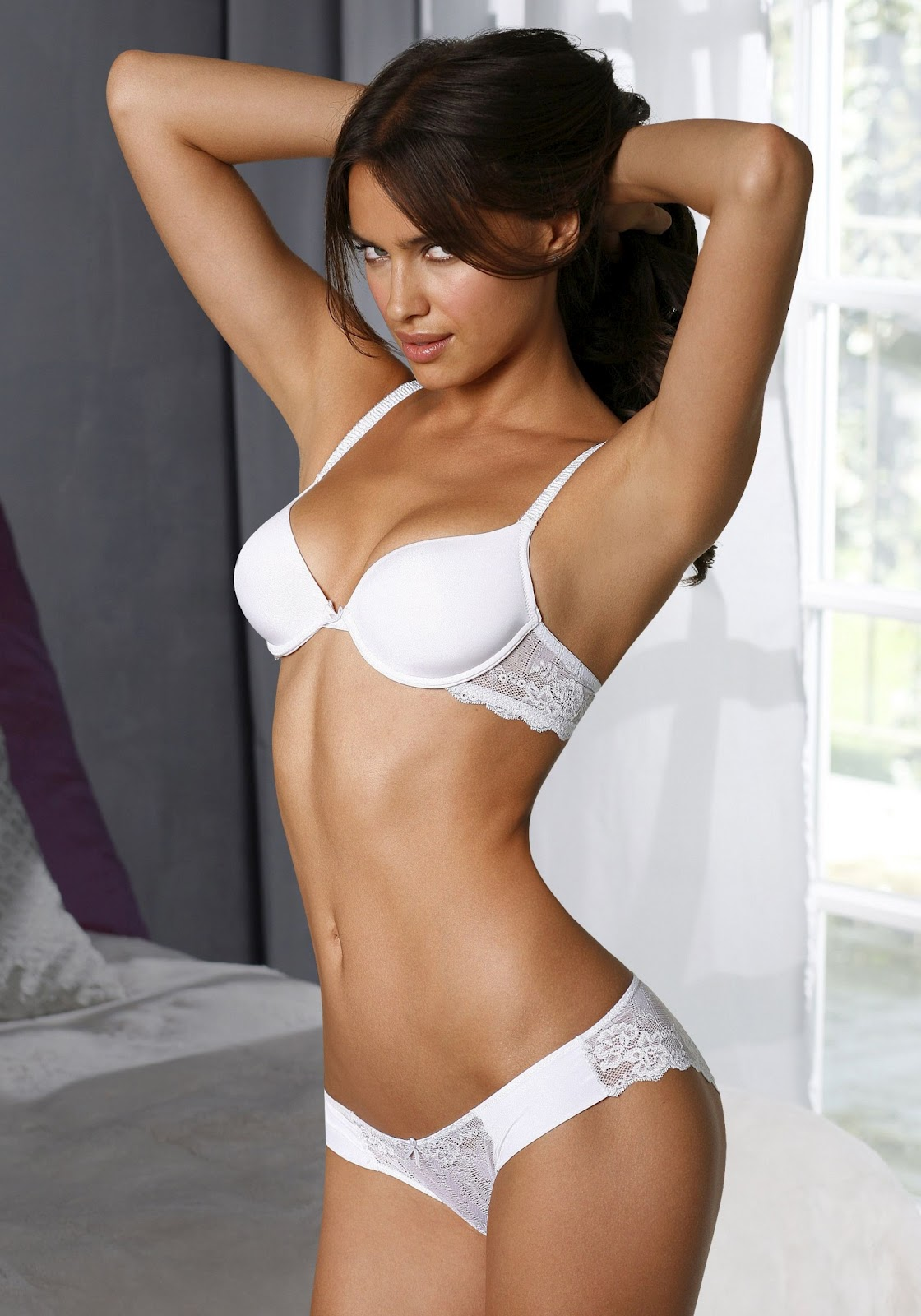 http://3.bp.blogspot.com/-aH9NwVy8g0Y/T1in2hLWxlI/AAAAAAAAH9E/xqF5893Ck64/s1600/irina-shayk-lingerie-003.jpg